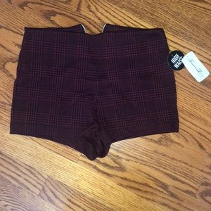 Short Knit Burgundy/Black Shorts